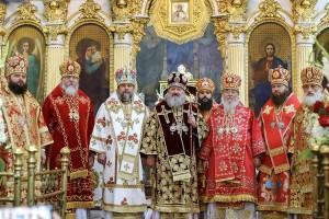 Dnepropetrovskaya-eparhiya-molitvenno-otmetila-Den-tezoimenitstva-upravlyayushhego-eparhiej008